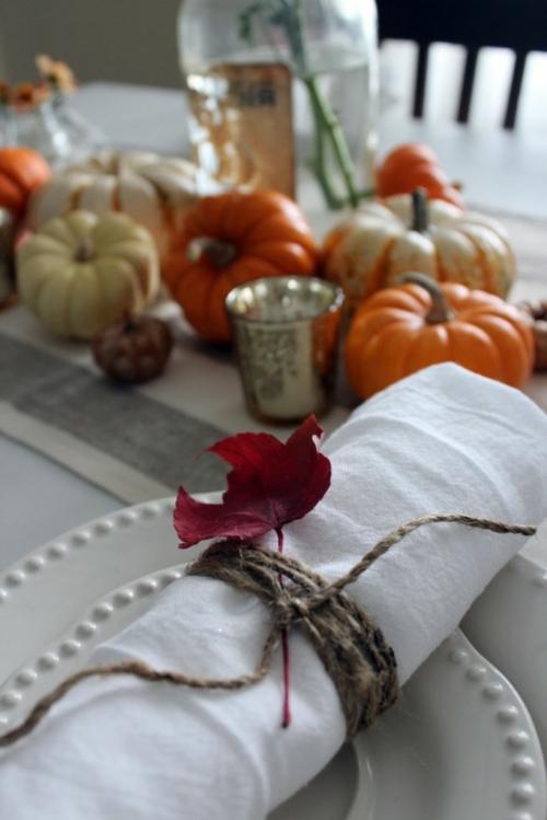 weiß tischdeko herbst teller geburtstag Ideen für Tischdeko im Herbst