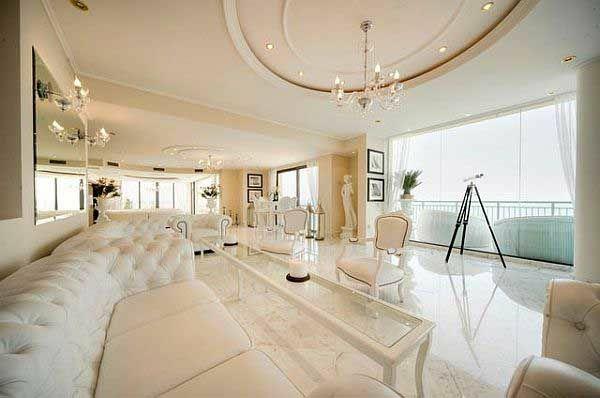 weißes wohnzimmer decke dekoration kronleuchter rechteck tisch