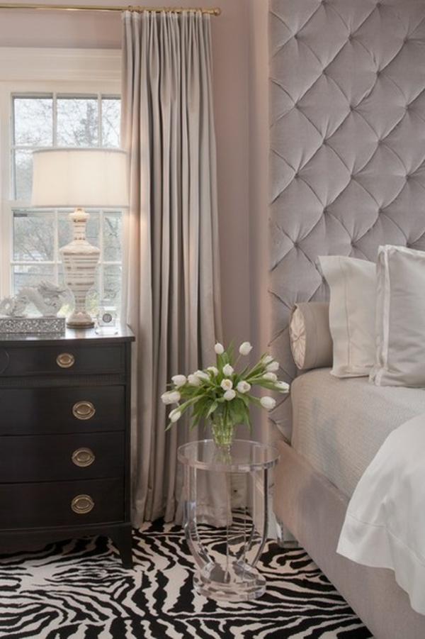 weich polsterung schlafzimmer deko tulpen frisch kommode Dekoideen fürs Schlafzimmer