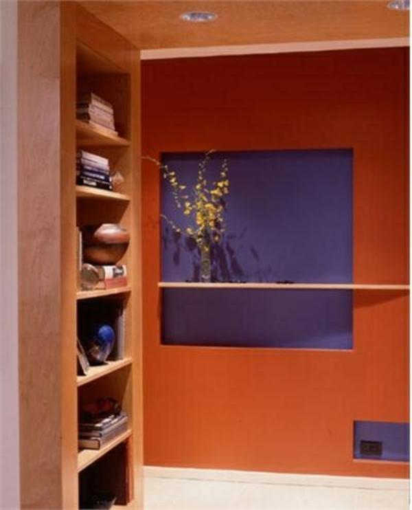 wohnideen für flur in orange und lila wandschrank
