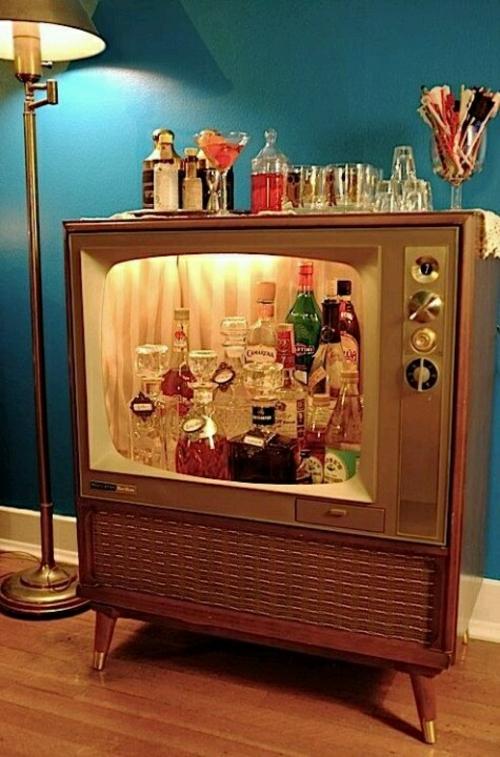 wohnzimmergestaltung ideen retro stil akzente fernseher in hausbar ...