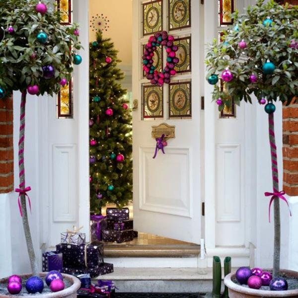 zeitgenössische dekoration weihnachten rosa lila grün