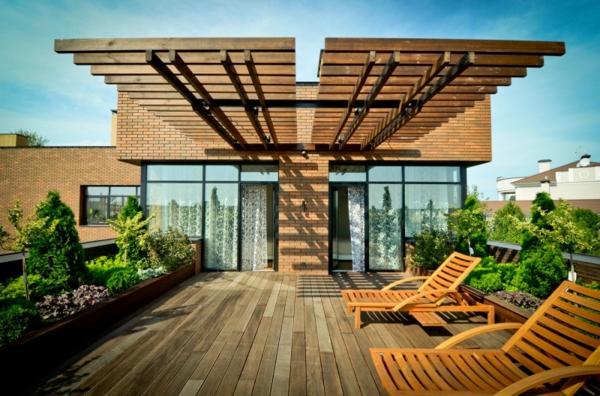 Überdachte Terrasse modern holz glas pergola aussichten