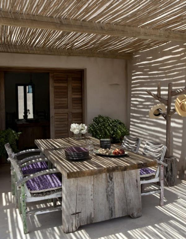 Überdachte Terrasse modern holz glas pergola markise bambus