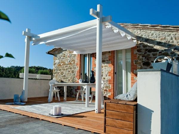 Überdachte Terrasse modern holz glas pergola veranda