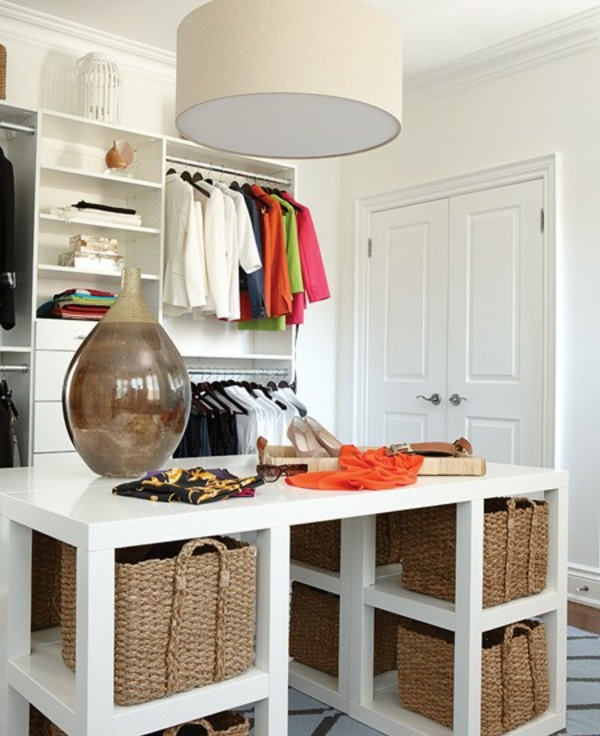 ankleidezimmer einrichten 20 dekoideen und begehbare. Black Bedroom Furniture Sets. Home Design Ideas