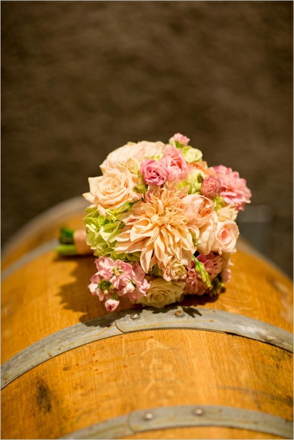 Brautstrauß Ideen im Herbst blumen rosen garten