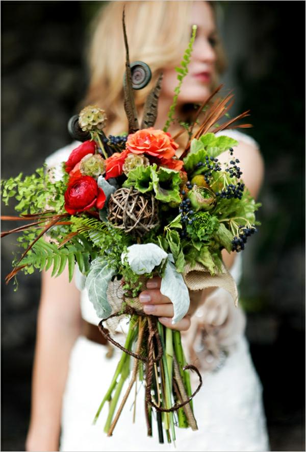 Brautstrauß Ideen Herbst frisch grün rot