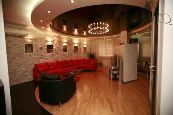 Deckengestaltung im Wohnzimmer Hängedecken beleuchtung eingebaut intim