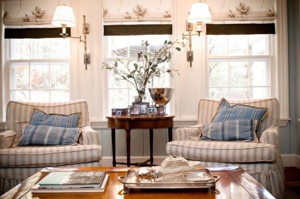 Deckenleuchten und Wandleuchten nebentisch holz blumen sessel