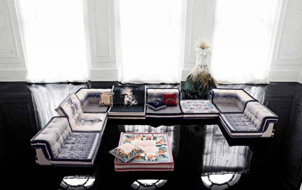 Wohnzimmer Einrichtungsbeispiele  schwarz glanz