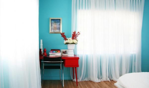 Ideen blau Farbgestaltung und Wandfarben schlafzimmer gardinen