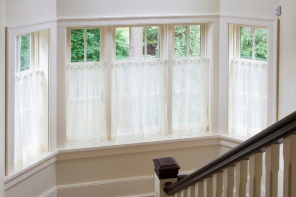 lobrede ber die gardinen und vorh nge auffallende. Black Bedroom Furniture Sets. Home Design Ideas