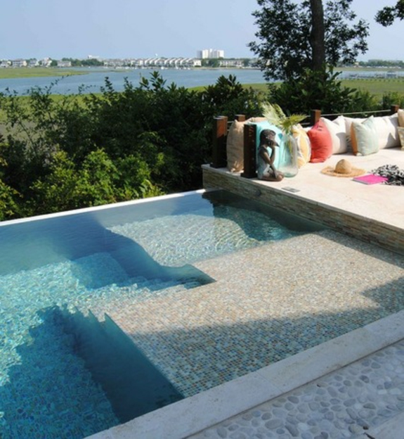 Garten loungem bel 8 traumhafte sofas f r den au enbereich for Entspannungsecke einrichten