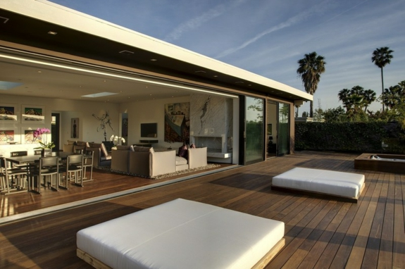 Garten Loungemöbel holzveranda holzdielen verlegen sofa
