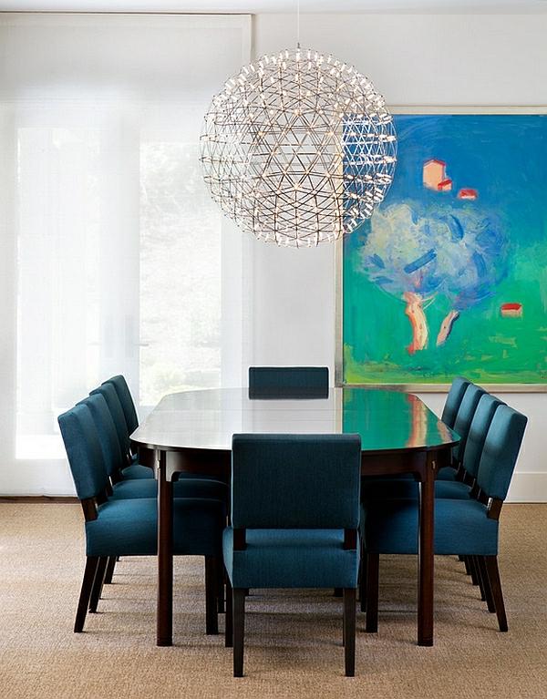 Große Pendelleuchten im Esszimmer übergangsstil blau stühle