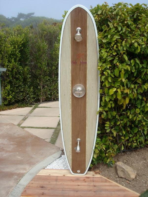 Ideen für Gartengestaltung gartendusche surfbrett