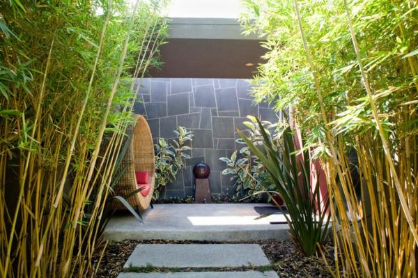 Ideen für Gartengestaltung rattan gartenmöbel sichtschutz bambus