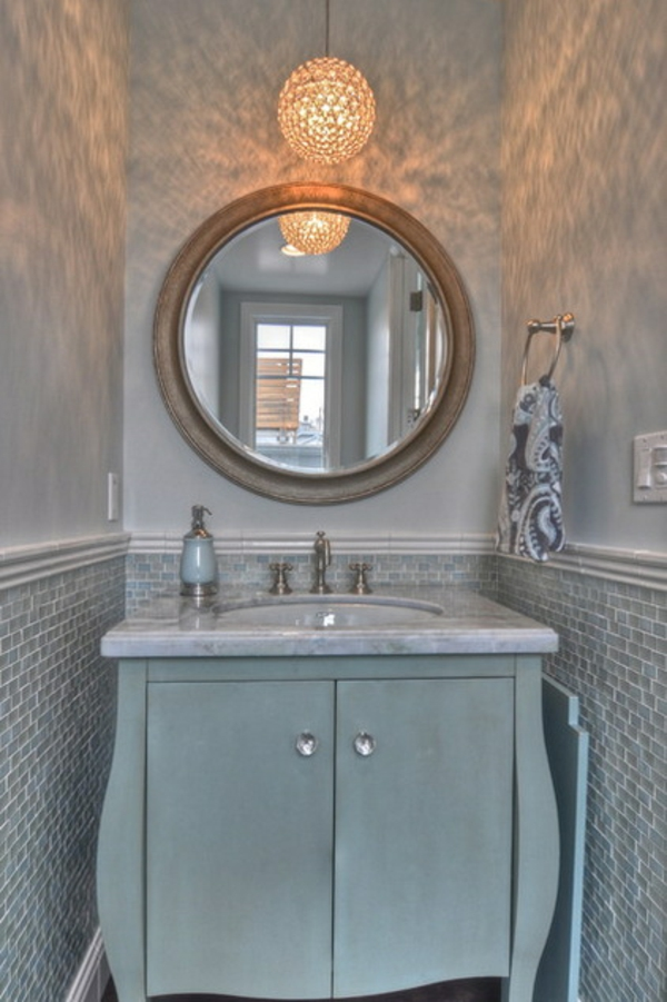 Luxus Badezimmer Deko dunkel damentoilette wandspiegel wandlampe