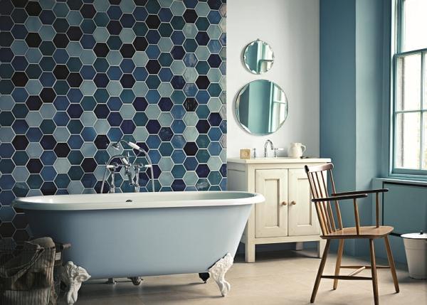 Luxus badezimmer freistehende badewanne männlich