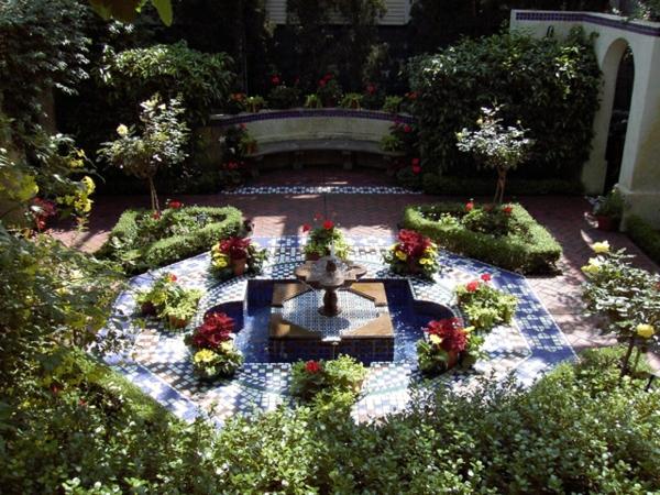 Mediterrane Gartengestaltung wasseranlagen pflanzen dürrefest immergrün