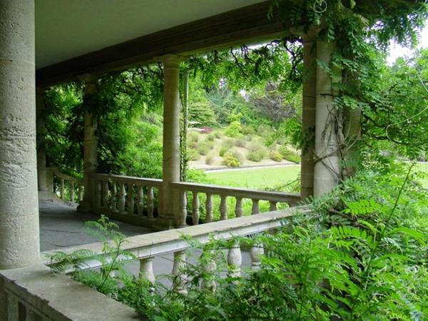 Mediterrane Gartengestaltung wasseranlagen pflanzen dürrefest lianen