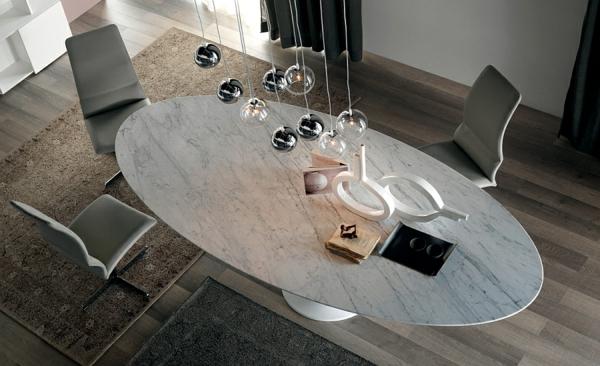 Moderne Esstische mit Stühlen kugel pendelleuchten oval marmor