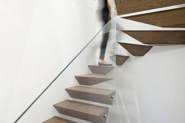 Moderne Holztreppen geländer geometrisch formen schwebend