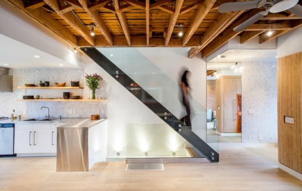 Moderne Holztreppen glas geländer