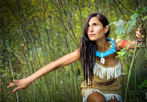 Pocahontas Kostüm zeichnung schönes mädchen