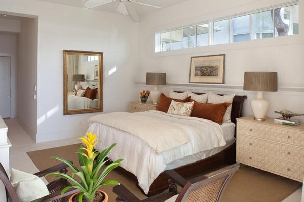 Schlafzimmer Im Keller Einrichten Kommode Tischlampe Bezüge