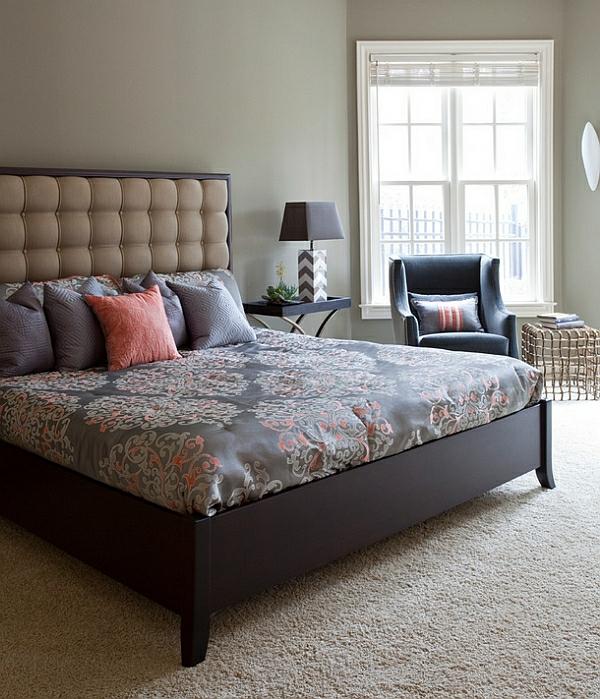 Schlafzimmer im Keller einrichten kopfteil polsterung teppich