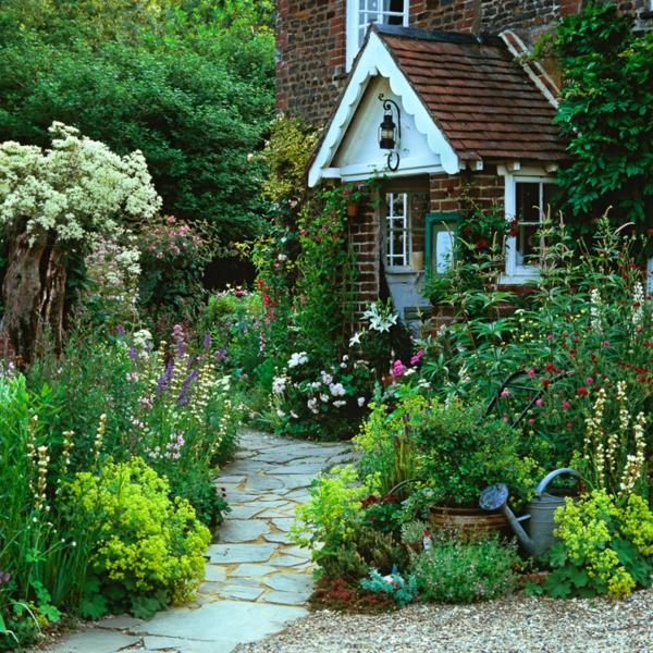 hampton landhaus üppig laub pflanzen