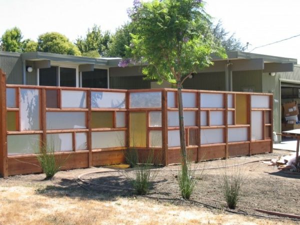 Moderne gartenz une schaffen sichtschutz im au enbereich for Gartenbeet modern