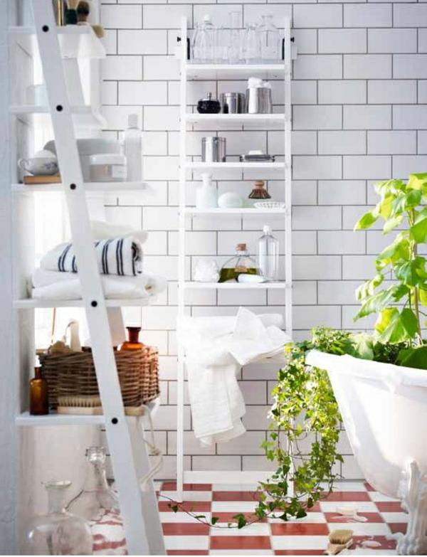 badezimmer holz einrichten leiter möbel wandregale