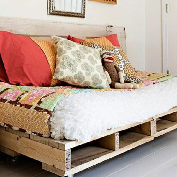balkonm bel selber bauen gartenm bel set aus recycelten. Black Bedroom Furniture Sets. Home Design Ideas