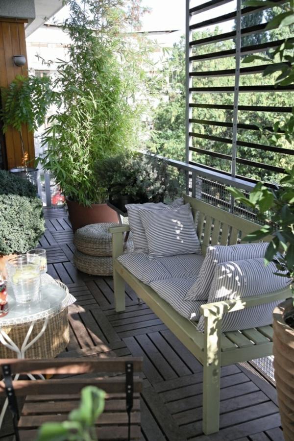behagliche terrassengestaltung im schatten sofa möbel