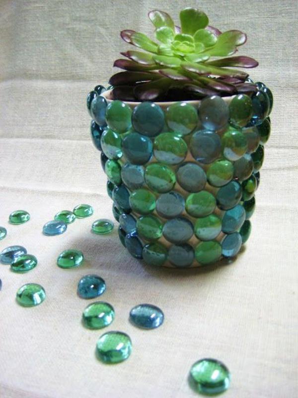 blumentöpfe-und-pflanzgefäße-kunstvoll-designs-glas-kiesel