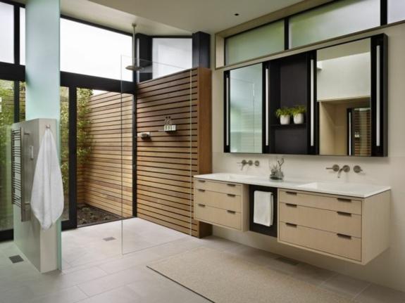 bodengleich ebenerdige dusche moderne duschkabine bodenfliesen holzwand