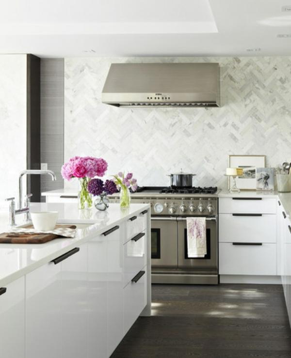 contemporary Moderne weiße Küchen  blumen küchengestaltung hochglanz