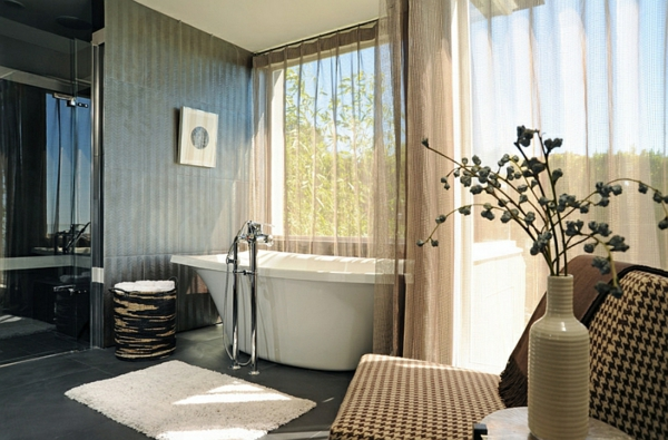 elegant gardinen luftig badewanne wohnzimmer