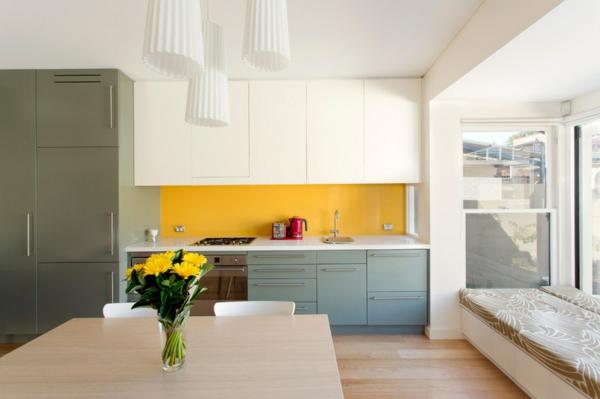 farbgestaltung küche einrichten küchenideen küchenrückwand gestalten gelb