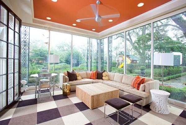 farbiges zimmer interior design trendy gartenstühle farbiger bodenbelag decke