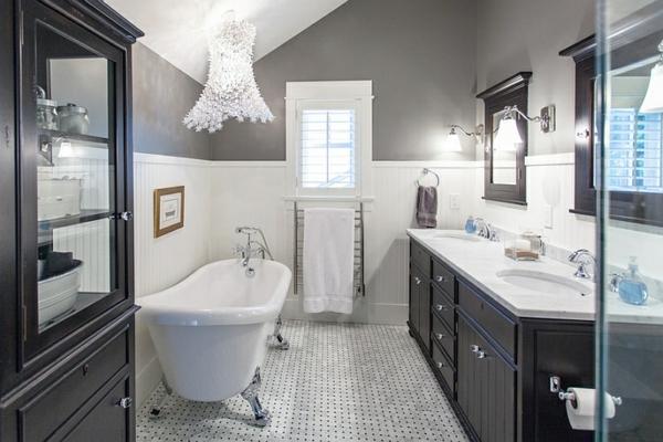 freistehende badewanne mit füßen schwarz weiß badmöbel