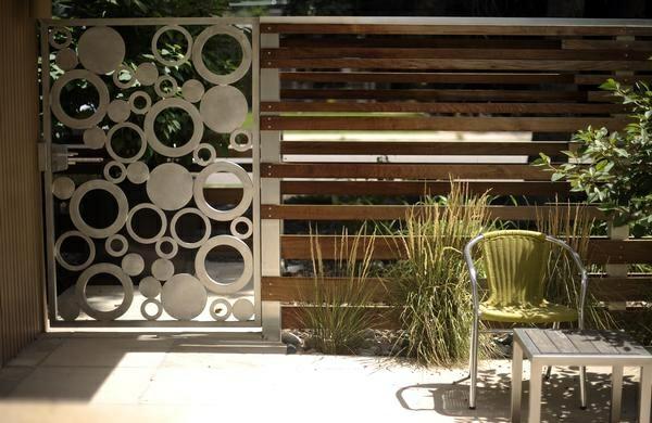 moderne gartenz une schaffen sichtschutz im au enbereich. Black Bedroom Furniture Sets. Home Design Ideas