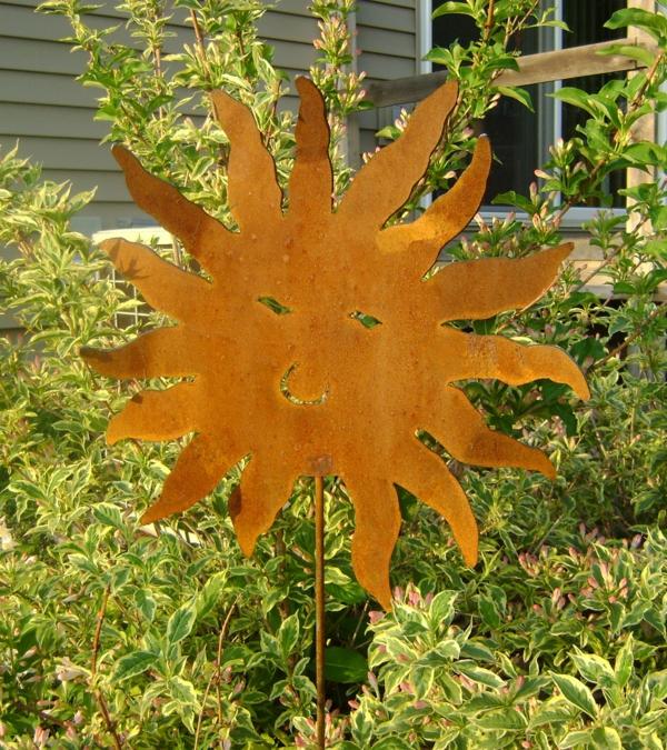 Gartendeko aus metall und rost industrieller charakter for Metall sonne gartendeko
