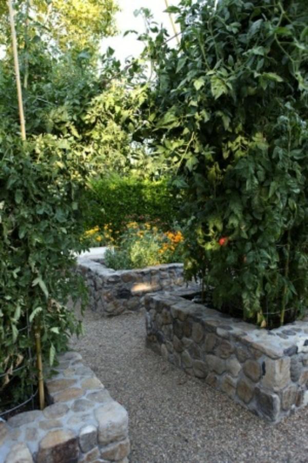 gartengestaltung mit steinen steinbetten pflanzenbeete