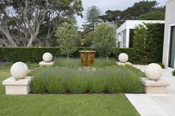 Gartengestaltung Ideen Anlegen Bilder Modern Dekorativ Kugel