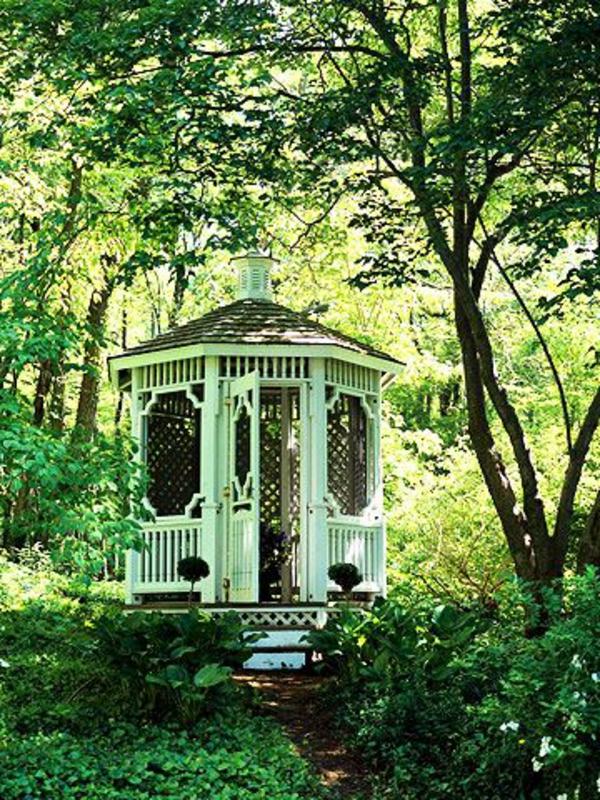 50 gartenlauben aus holz gartenpavillon selber bauen for Gartengestaltung klein
