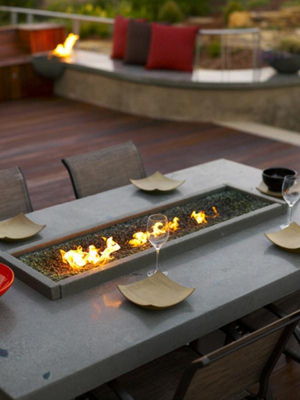 Gartenmöbel Ideen- Stellen Sie den Holz Gartentisch in den Mittelpunkt
